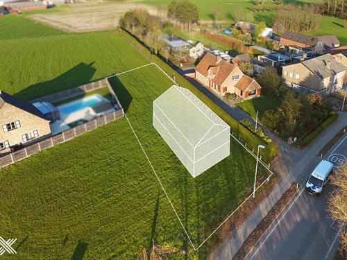 Lot for sale situated in Laarne