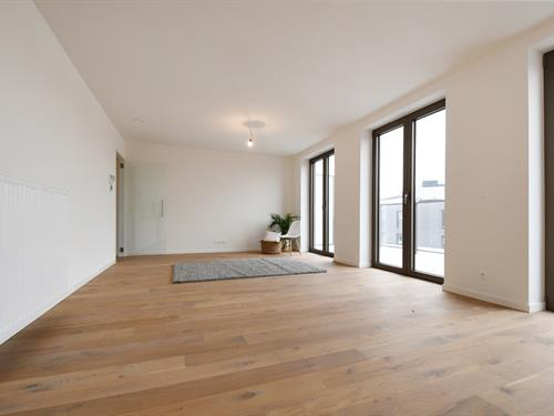 FOR SALE AT LANDBERGH: spacious penthouse with 3 bedrooms