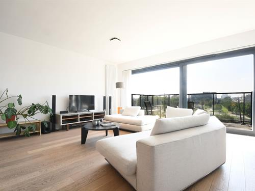 FOR SALE AT LANDBERGH: three bedroom apartment in Ghent